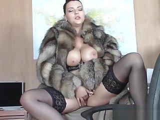 Hole up coat seduction