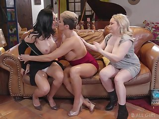 Milfs have a bad lesbian threesome on tap book club
