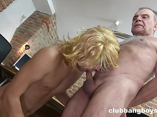 Old gay grandpa gets his cock sucked by a younger dude waiting for he cums