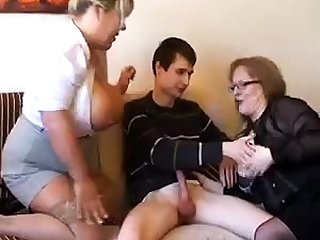 Elderly fat slutty granny in pantyhoes fucked hard in threesome