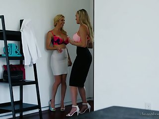 Alexis Fawx and Brandi Love are eating each others tasty awaiting slits