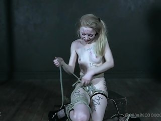 Sweet beauteous chick Alice gets tied up wits a naughty mistress