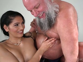 Plump and sexy beauty Ava Nefarious rides older man's undaunted cock on top