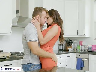 Horny dude can't resist screwing smoking hot stepmom Becky Bandini