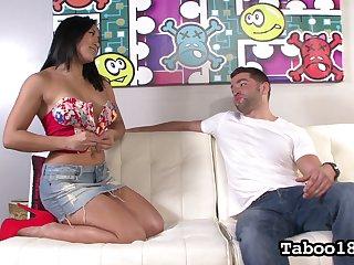 Filipino curvy babe Mia Li gives a splendid tugjob to her experimental purchaser