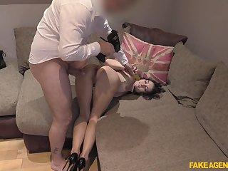 Adorable Valentina Bianco ridding a fat pecker like never forwards