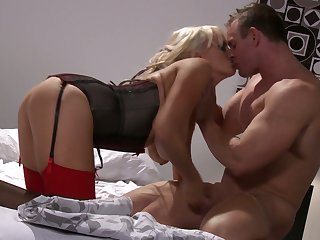 Upon pay back for kinky boobies sucking workout MILF Stormy Daniels gives BJ