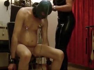 Harte Domina mistress german peitscht und fickt Sklaven 78 dildo