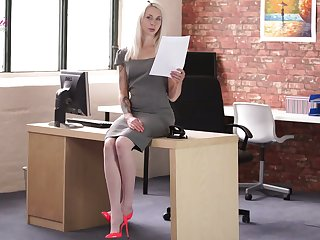 Slender amanuensis Ashleigh Cooky is reading erotic stories in the office