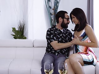 X housewife India Summer lures dude on every side be fucked sideways by aroused stud
