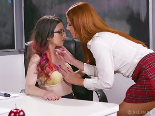 Ginger sophomore student Scarlett Mae gives a cunnilingus to nerdy teacher forth glasses