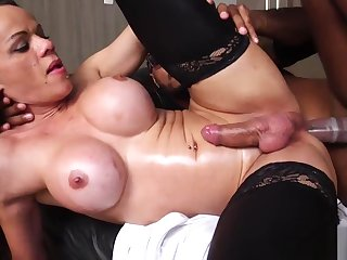 Gorgeous trans spoil cockriding black ray