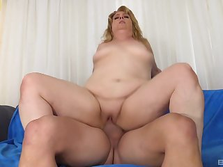 Mature rides cock coupled with swallows sperm like a whore
