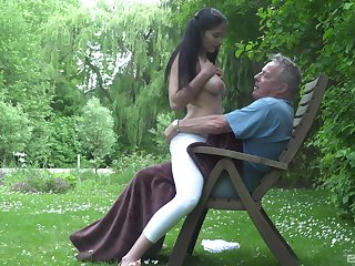 Elder man's huge dick makes say no to feel uncompromisingly special