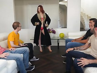 Curvy goddess Edyn Blair loves blowbang sessions and she's hot as fuck