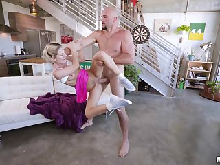 Muscular supplicant fucks this petite babe in really irregular scenes