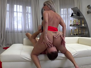 Curvy cosset first time riding chum around with annoy big dick exposed to cam