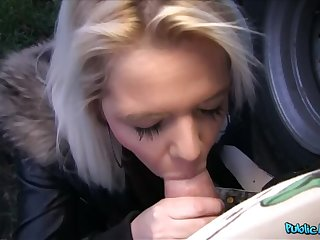 18 Year Old Pretty good Takes A Dick Copious Cum To Be able For A New Phone