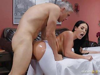 Angela White  s Sexy Post-Workout Ass Routine!