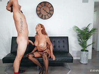 Mommy sucks the dick before getting laid