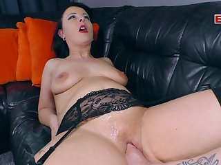 German housewife try hardcore fisting